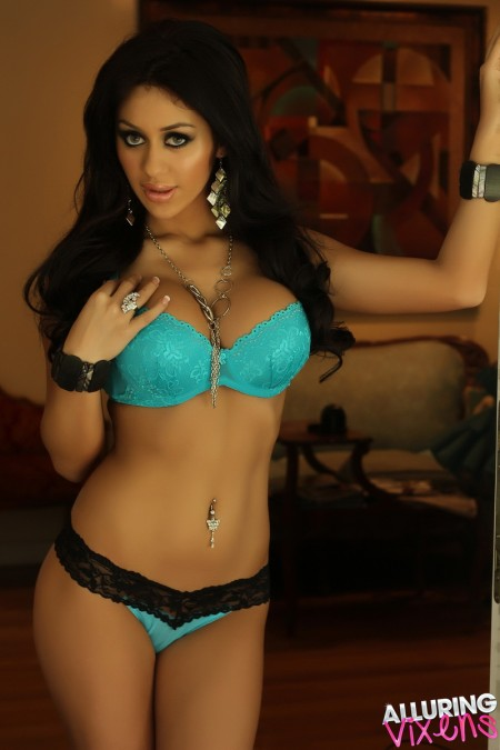 alluring vixens joselyn blue with a little black